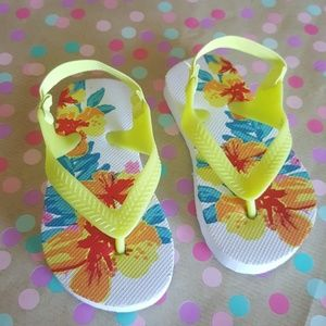 Other - BRAND NEW Floral Toddler Size 6 Sandals